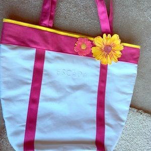 Escada summer tote bag
